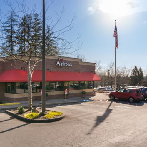parking lot of Applebees restaurant available for lease