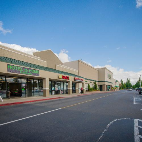Restaurant and retail space at Salem's most prominent retail center.