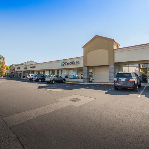 Opportunity to lease space in one of Damascus, Oregon's best shopping centers!